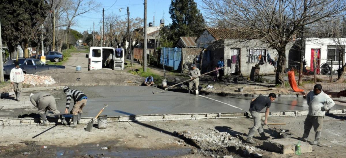 Más de 20 cuadras nuevas de asfalto en Malvinas Argentinas