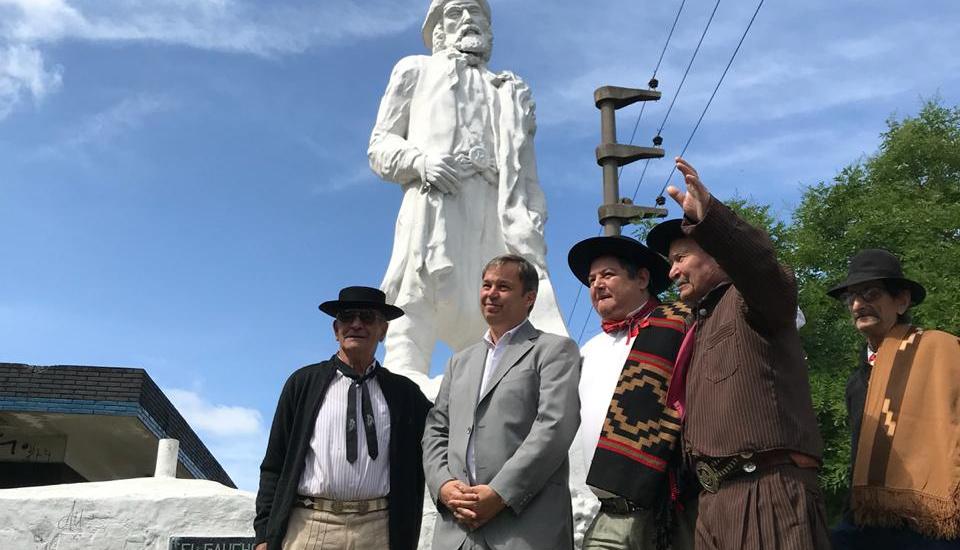 Homenaje al gaucho en Burzaco