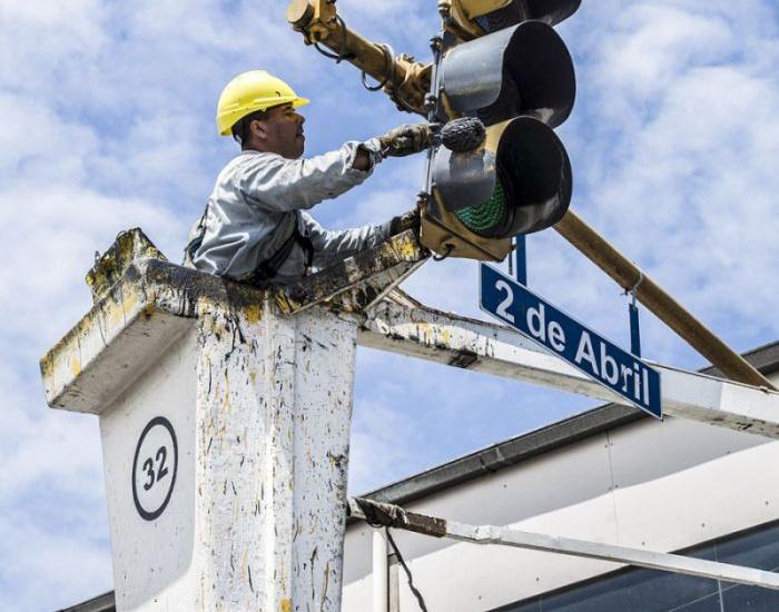 El Municipio profundiza el recambio de semáforos con tecnología inteligente y suma más luces led