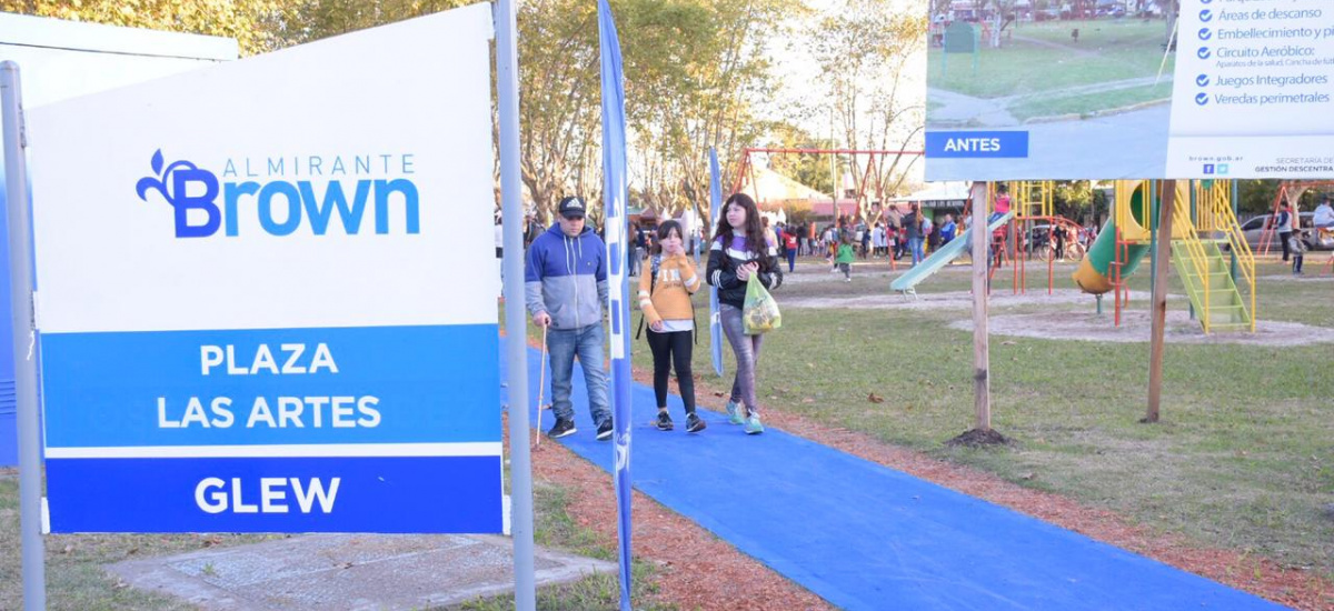 Cascallares inauguró las obras de puesta en valor de la plaza de Las Artes  en Glew