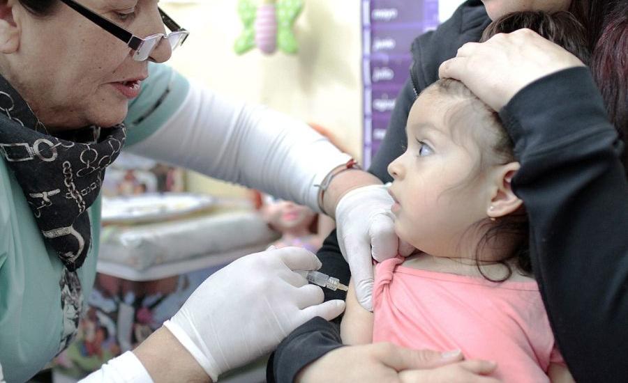 El municipio profundiza la campaña de vacunación contra el sarampión para niños y niñas