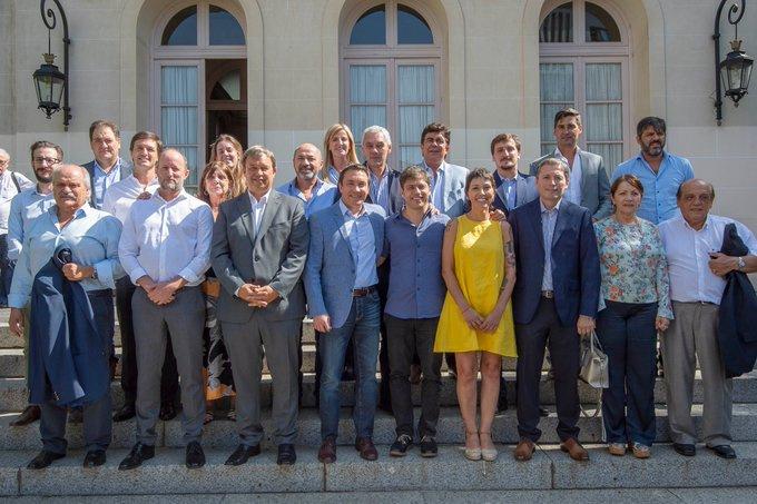 Cascallares e intendentes en reunión de trabajo con Axel Kicillof