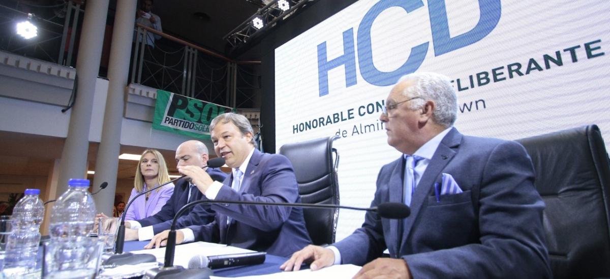 Cascallares abrió las sesiones con anuncios en salud, educación y obras públicas