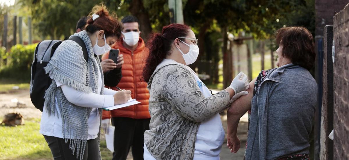 El Municipio de Almirante Brown ya vacunó a más de 18 mil adultos mayores