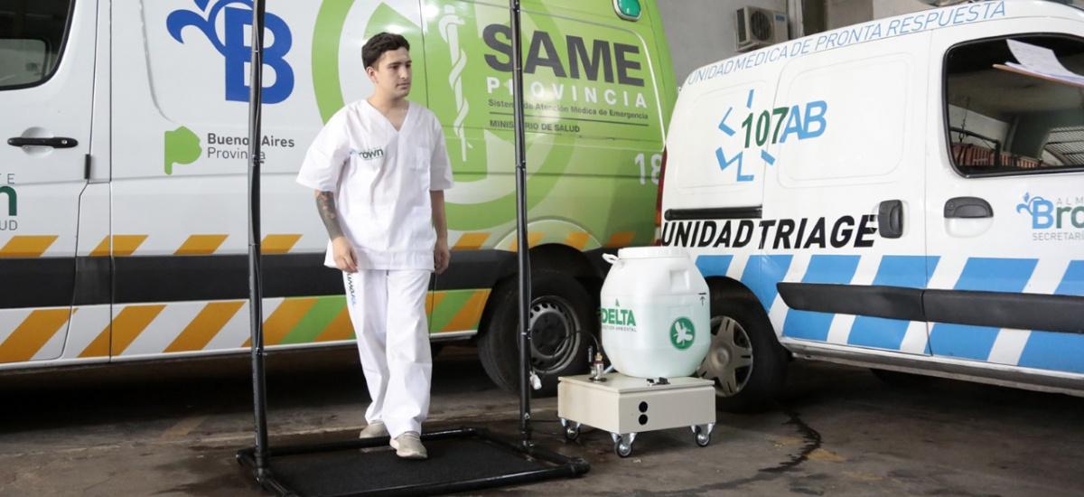 El municipio colocó cortinas sanitarias en hospitales y CAPS para cuidar al personal de salud