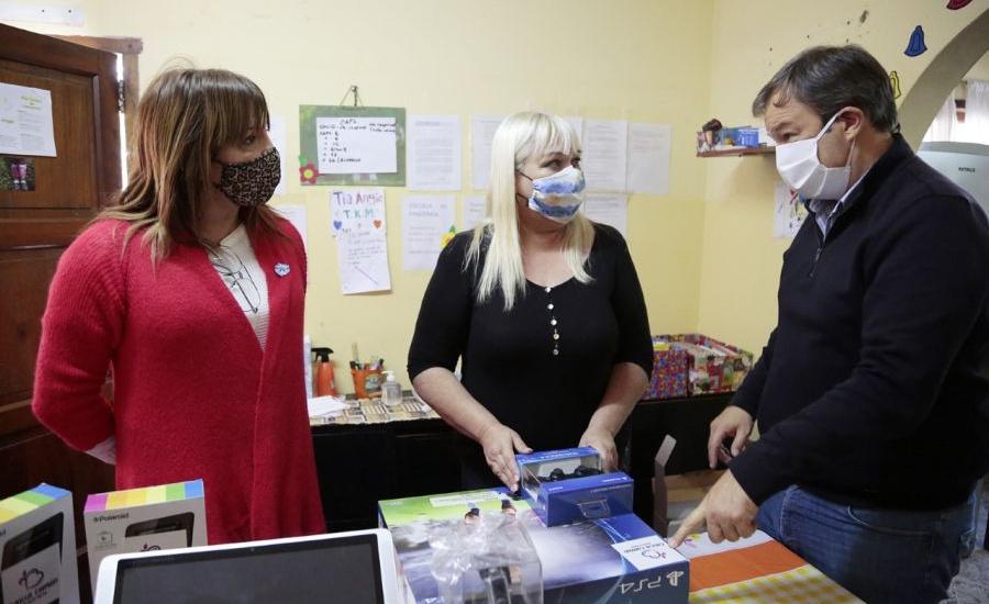 Cascallares y Lizy Tagliani realizaron visita solidaria a dos instituciones brownianas