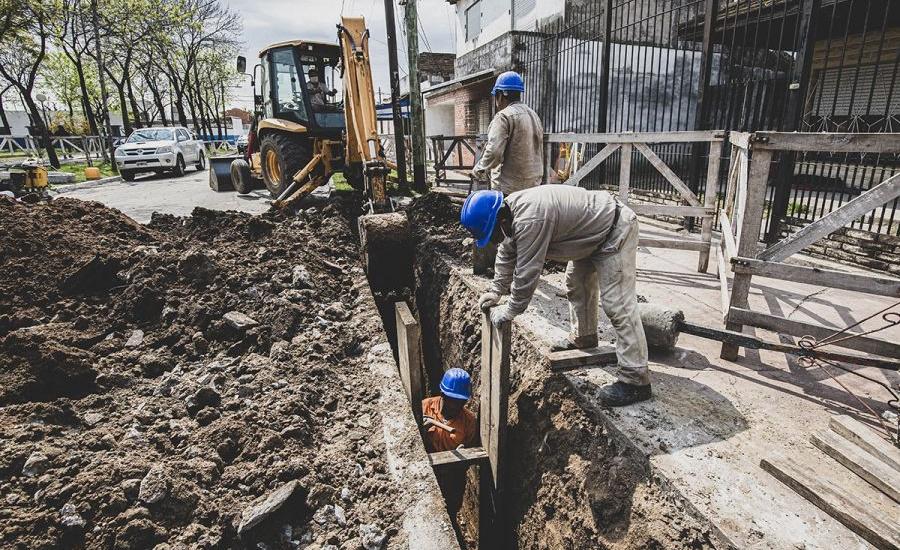 El Municipio y AySA avanzan con nueva red cloacal en Solano