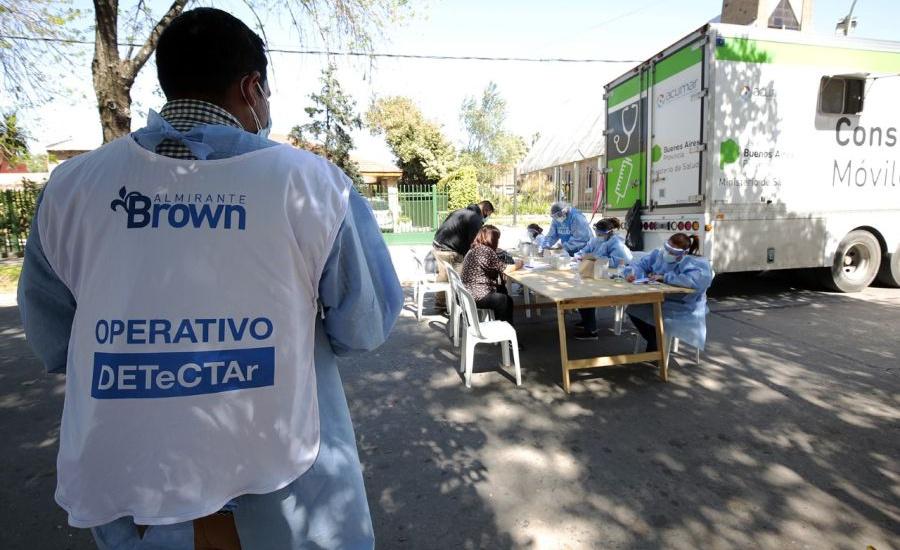 Operativo sanitario en José Mármol con detectar, hisopados y vacunación