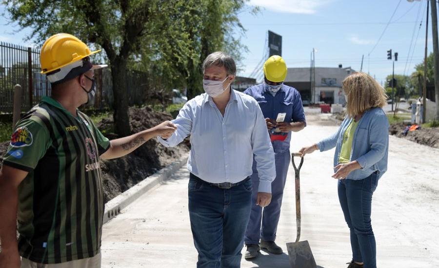 Cascallares recorrió una histórica obra hidráulica y de asfalto