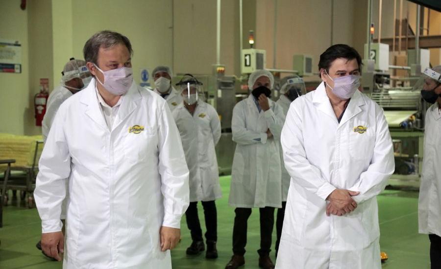 Cascallares y Moroni recorrieron el parque industrial de Alte Brown