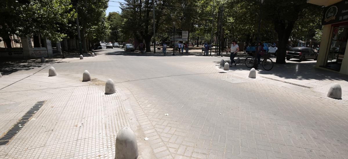 Arranca la semipeatonalización de la calle Eugenio de Burzaco