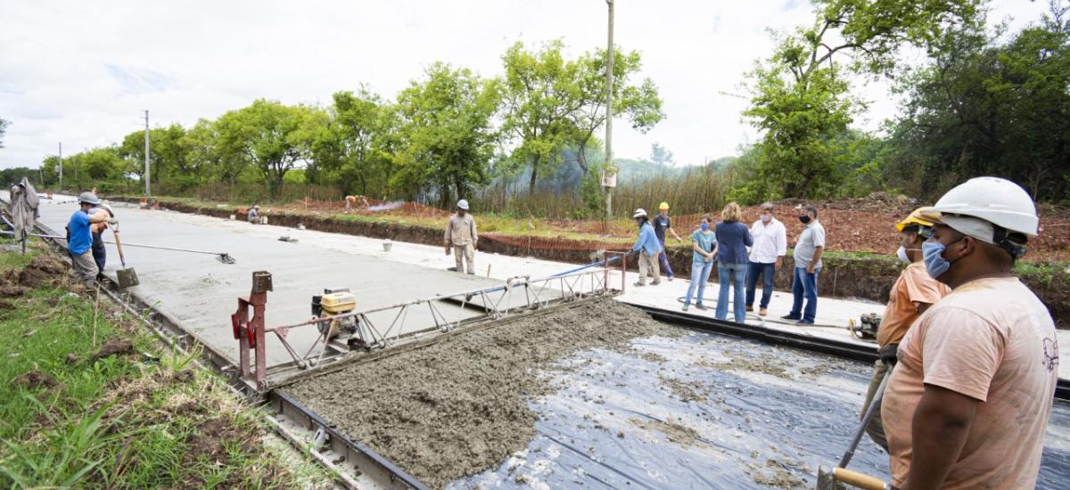 Cascallares y Depetri supervisaron la pavimentación de República Argentina