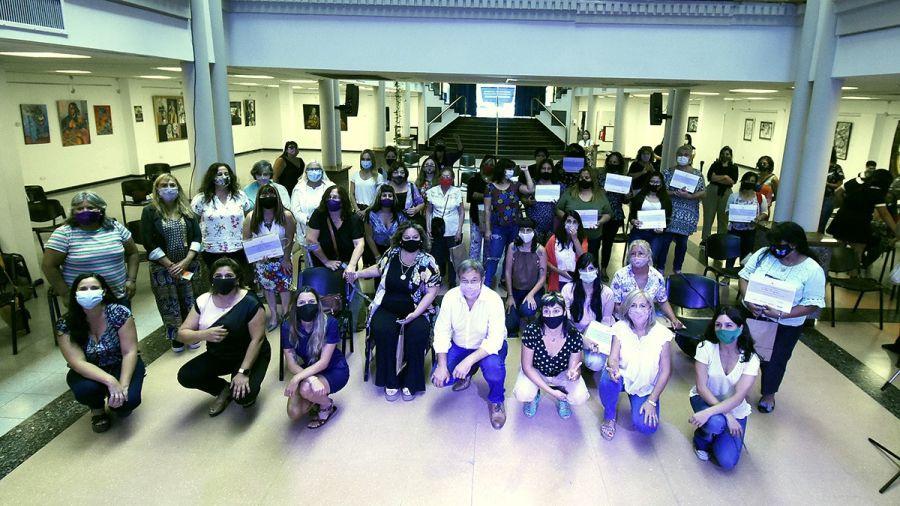 Cascallares encabezó emotivo homenaje a trabajadoras esenciales, en el día de la mujer