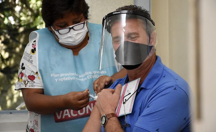 Avanza la vacunación a docentes en Almirante Brown