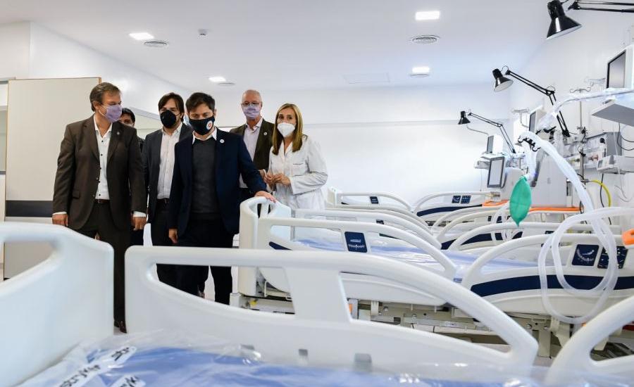 Axel Kicillof  y Mariano Cascallares recorrieron obras en el hospital Oñativia
