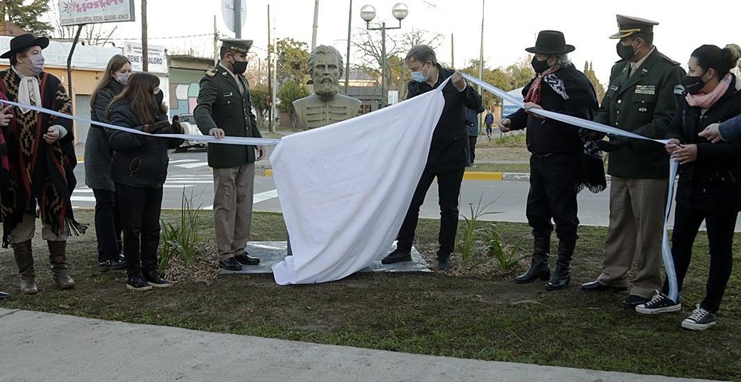 Cascallares encabezó un emotivo homenaje a Güemes en Rafael Calzada