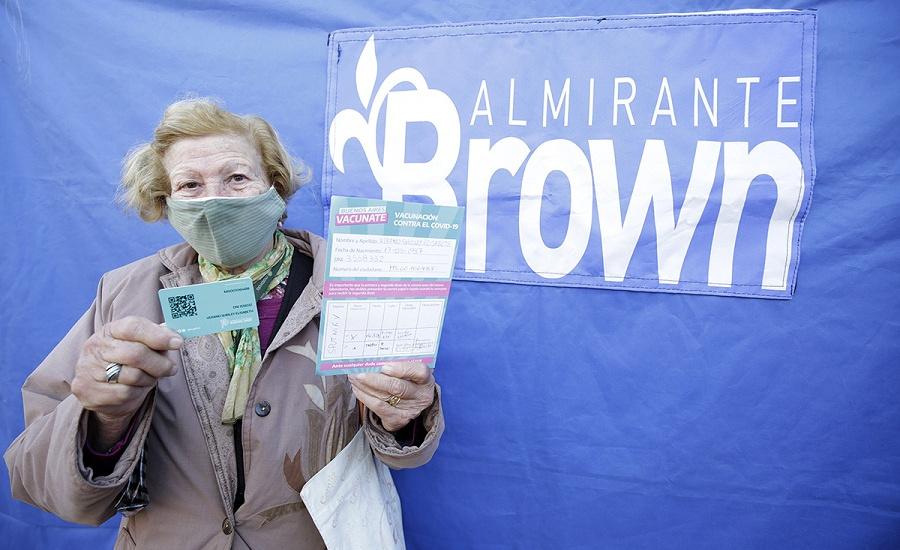 Nuevo récord: Almirante Brown vacunó a 4646 vecinos en un jornada