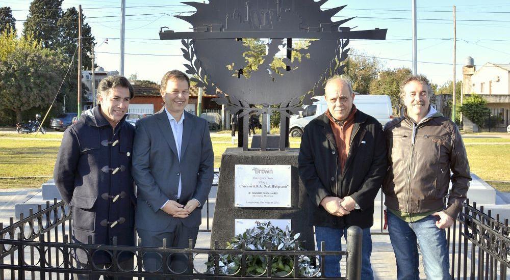 """Bautizaron con el nombre de  """"Crucero General Belgrano"""" a una plaza del barrio Rayo de Sol de  Longchamps"""