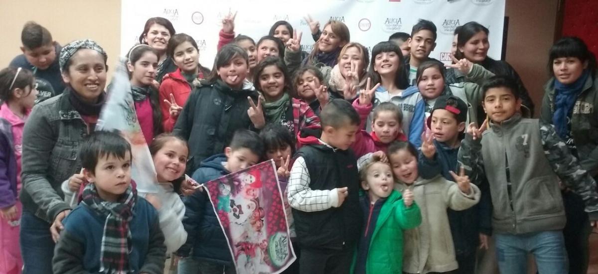 Cientos  de niños de Almirante Brown disfrutaron de obra teatral en sala capitalina