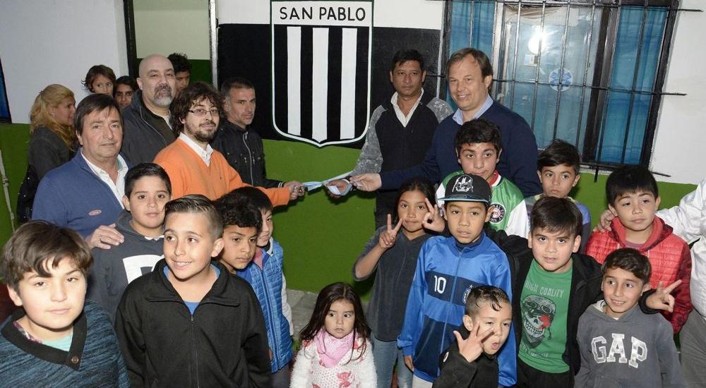 Cascallares visitó club de Burzaco donde el municipio realizó mejoras