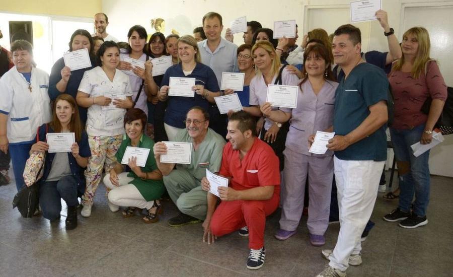 Cascallares entregó diplomas a talleristas del CIC de Don Orione