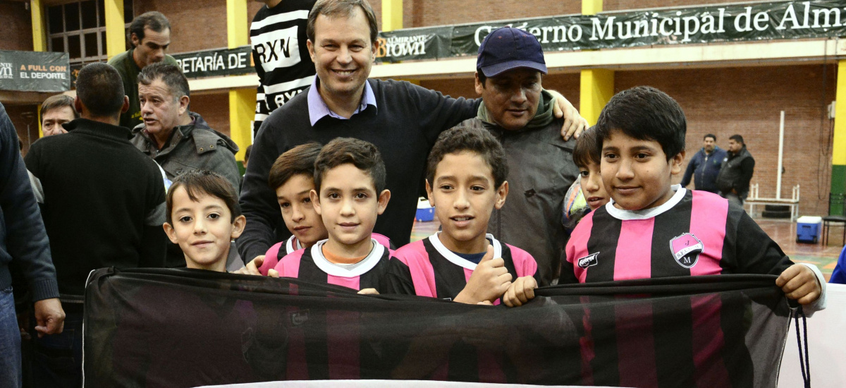 Cascallares lanzó oficialmente las ligas de fútbol de Almirante Brown