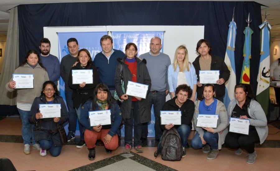 Se entregaron certificados a trabajadores de comedores comunitarios y escolares