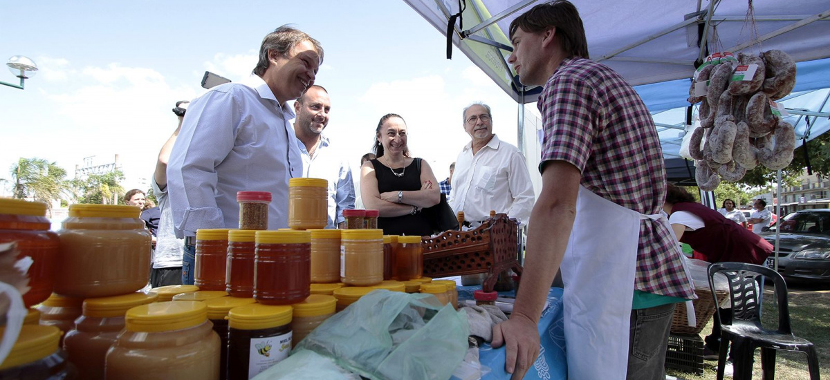 El mercado en tu barrio ahora también los sábados en Brown