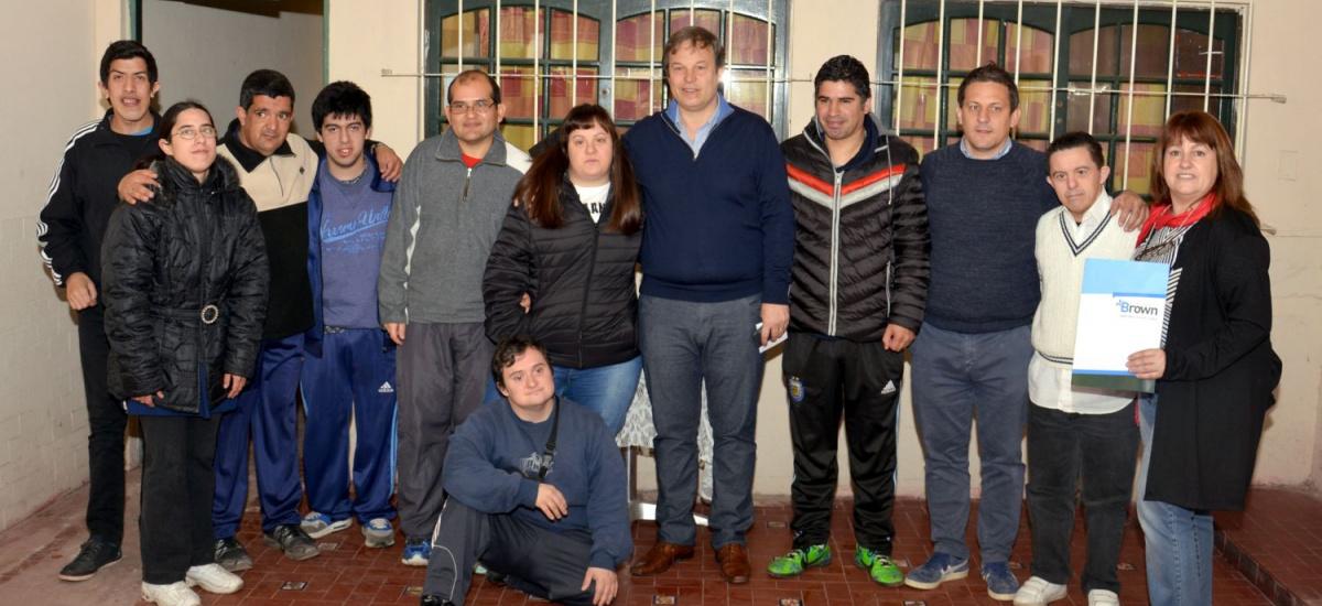 Con ayuda del municipio de Brown la asociación Pihe mejora sus instalaciones