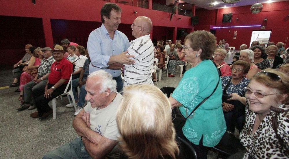 Cascallares encabezó una jornada de fin de año con centros de jubilados