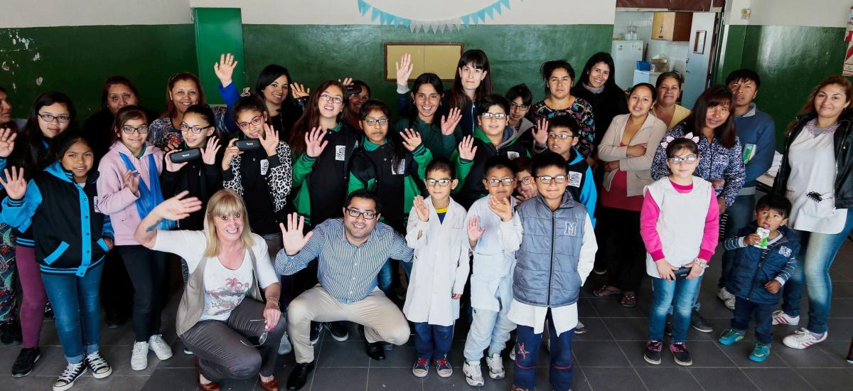El municipio entregó anteojos a alumnos de dos escuelas de Glew