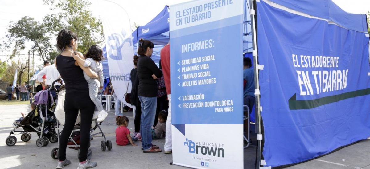 """Servicios a los vecinos con """"El Estado presente en tu barrio"""" en Glew"""
