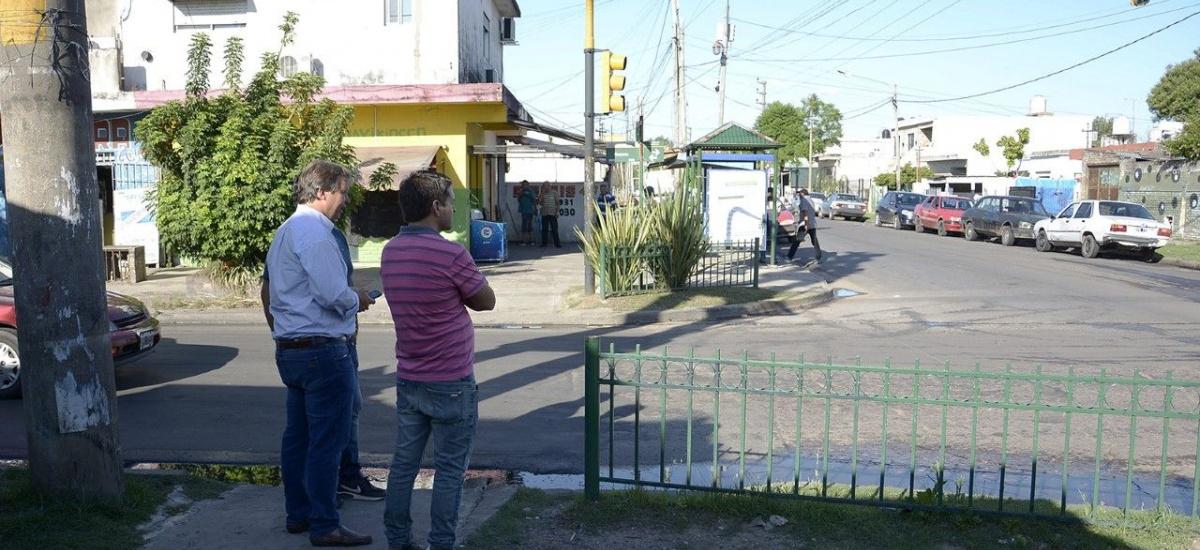 Cascallares recorrió obra de repavimentación en el barrio El Gaucho