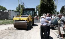 Cascallares recorrió obras hidráulicas y de asfalto en Longchamps