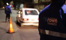 Agente de tránsito con aislamiento