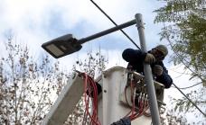 El municipio de Alte. Brown avanza con la instalación de otras 16 mil luminarias led