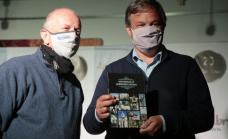 """Cascallares encabezó la presentación del libro """"Los  pueblos de Almirante Brown"""""""