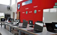 Cascallares inauguró en Glew el primer punto digital de Alte Brown