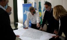 Cascallares y Katopodis firmaron el inicio de la obra del paso bajo nivel de Longchamps